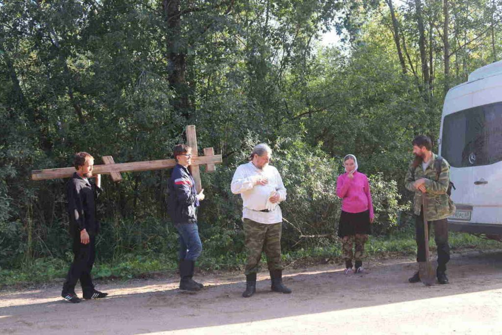 Начало пути к месту Дедовичского монастыря